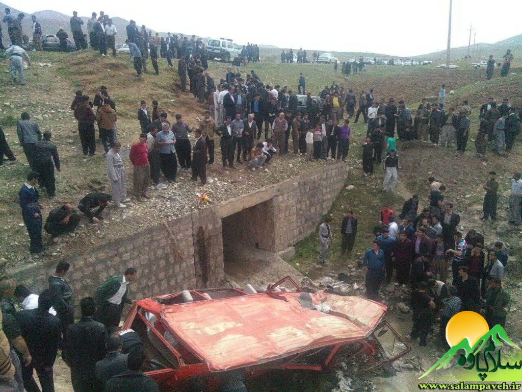 14 مجروح و 1 کشته درسقوط مینی بوس به دره در جاده پالنگان+تصویر