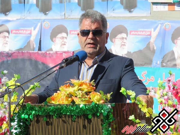 فرماندار پاوه روز شهرداری و دهیاری را تبریک گفت