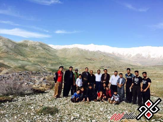 کاشت ۵۰ اصله نهال در طبیعت شهر بانه وره شهرستان پاوه/عکس