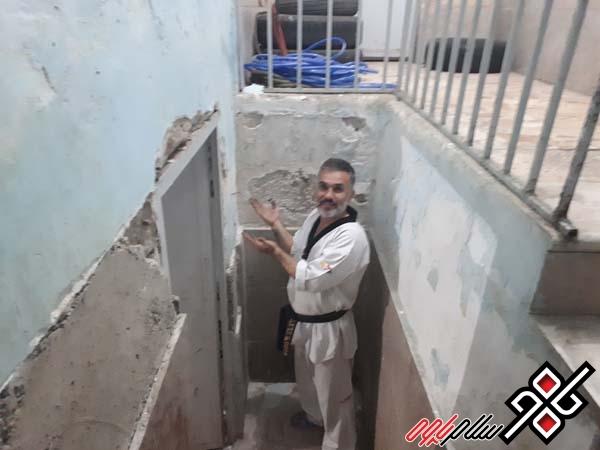 زیرساختهای فرسوده جوابگوی ورزش پاوه نیست/ وضعیت نامناسب سالن شهید عبدالله زاده پاوه/ عکس
