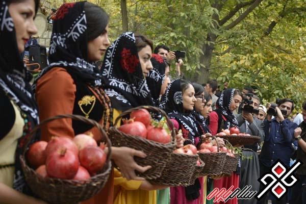 گزارش تصویری آئین شکرگزاری انار و جشنواره غذاهای بومی محلی در باینگان