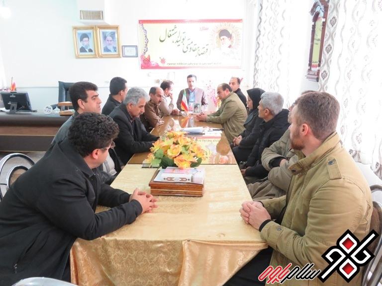 آموزش و پرورش نوسود در ارزیابی سالانه مناطق در جایگاه دوم استان ایستاد