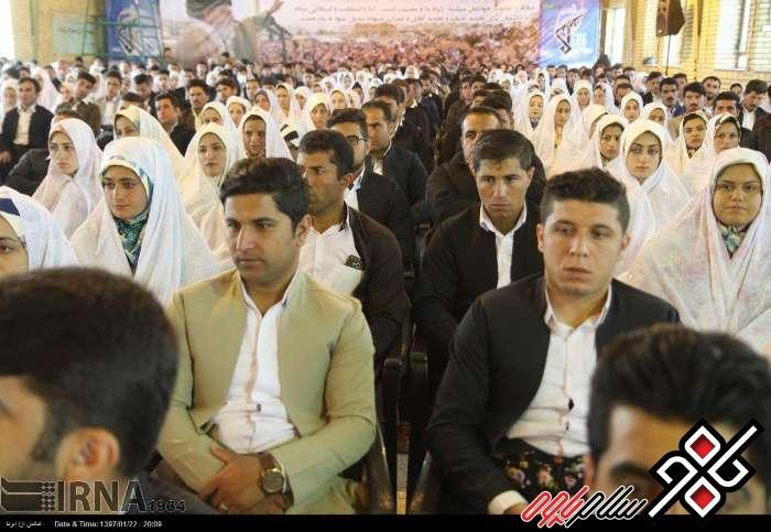 آیین اهداء جهیزیه به نوعروسان در ثلاث باباجانی/گزارش تصویری