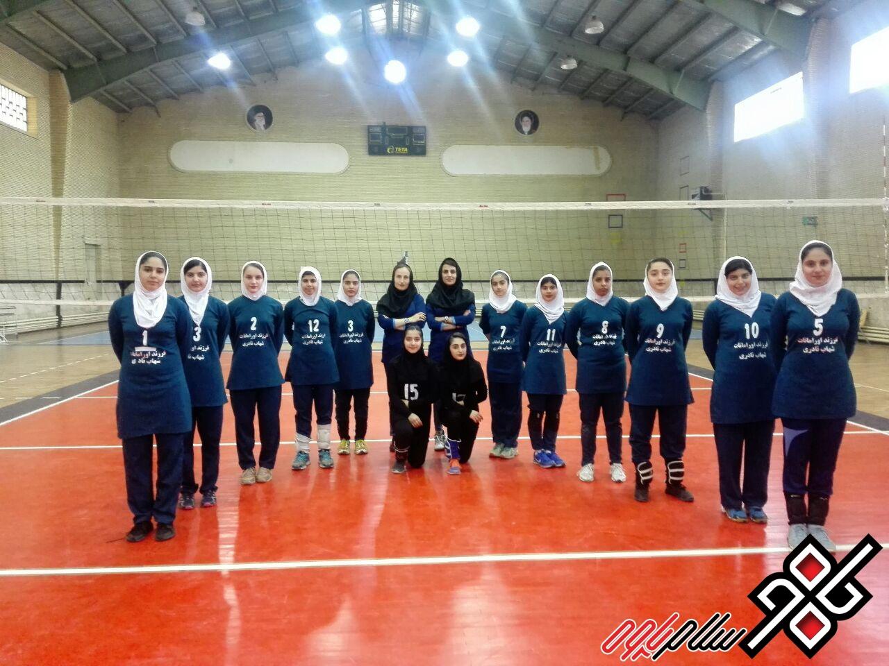 افتخار آفرینی والیبالیست های دختر پاوه/ قهرمانی پاوه در استان کرمانشاه
