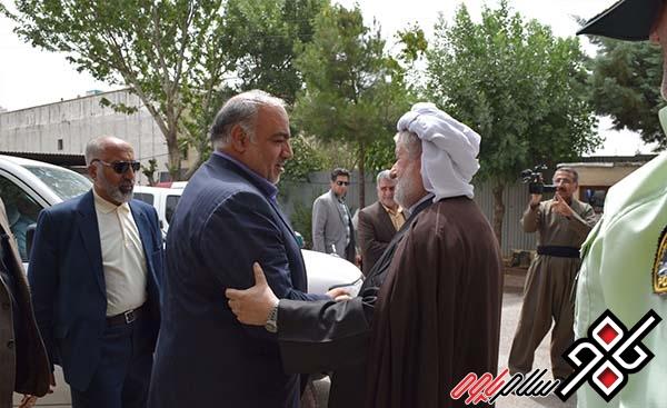 استاندار کرمانشاه با ماموستا قادری دیدار کرد/ عکس