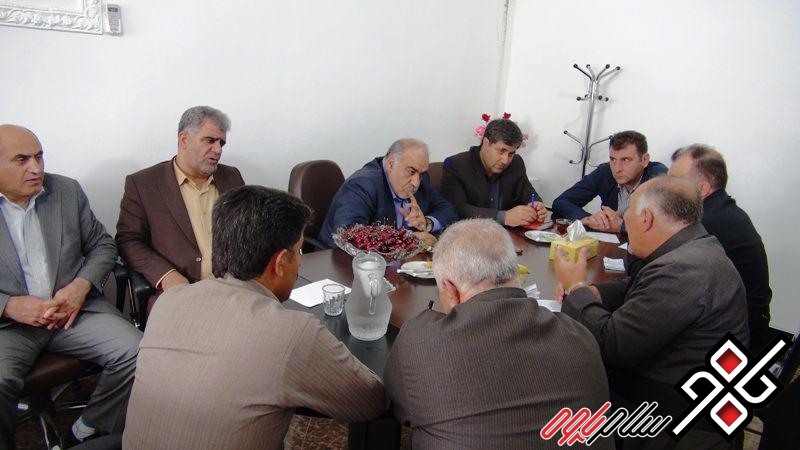 بازدید استاندار از شهرداری پاوه و نشست با شورا و شهردار/ عکس