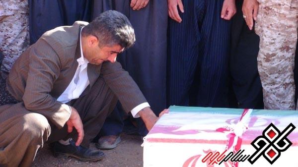 پیکر شهید داراب ویسی در شهر شاهو تشییع شد/ عکس