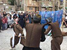 تئاتر آیینی سنتی کومسا در روستای گردشگری هجیج اجرا شد/ گزارش تصویری